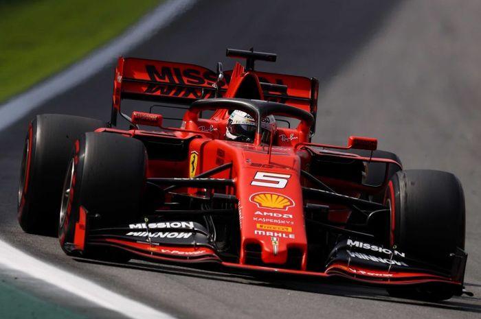 Daniel Ricciardo jatuh